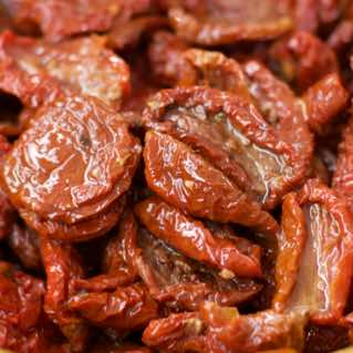 Soft sundried tomatoes with seasoning in oil